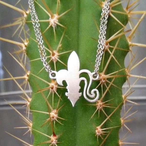 Fleur de Lys argent pendentif chaine BCG designer Artiste